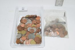 SMALL TRAY OF ENGLISH AND FOREIGN COINS