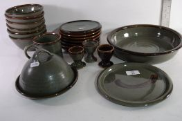 QUANTITY OF CLEY POTTERY DINNER WARES
