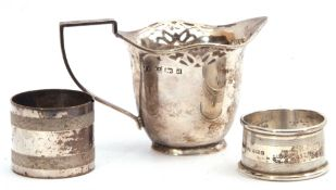 Mixed Lot: Edward VII silver cream jug, helmet shaped with pierced design, reeded angular handle