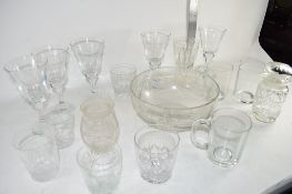 BOX CONTAINING DRINKING GLASSES