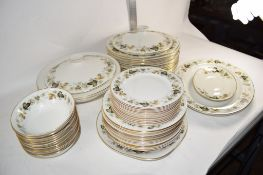 BOX CONTAINING DINNER WARES IN ROYAL DOULTON LARCHMONT PATTERN COMPRISING DINNER PLATES, SIDE