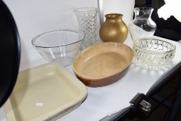 BOX CONTAINING GLASS WARES INCLUDING A GLASS CELERY TYPE VASE, GLASS BOWL AND VASE AND SOME