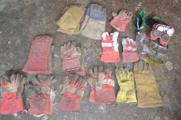 Quantity safety gloves, goggles/glasses