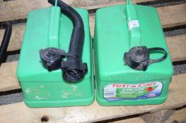 2 X 5L JERRY CANS