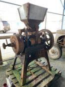 Cast iron vintage Oat/Barley Crusher