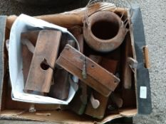 Box: various vintage Tools incl Bloc Planes