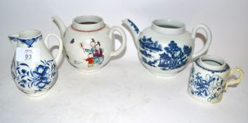 Group of 18th century Worcester porcelain including a tea pot with the man in pavilion pattern,