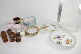 GROUP OF CERAMIC ITEMS INCLUDING ROYAL WORCESTER EVESHAM PATTERN PIE DISHES ETC