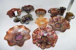 QTY OF CARNIVAL GLASS INCLUDING A NORTHWOOD BOWL IN THE DAISY PLOOM PATTERN