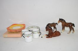 SMALL TRAY CONTAINING CERAMIC ITEMS, TUSCAN CHINA, COFFEE CANS AND SAUCERS, TOGETHER WITH A QUANTITY