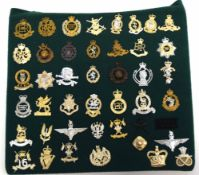 Quantity of 43 Queen Elizabeth II military cap badges to include Parachute Regiment, Special Sir
