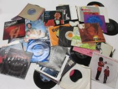 800a: Approx 118 45rpm vinyl records, 63 with modern covers, 55 with no covers dating from 1950s-