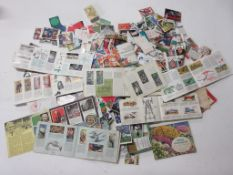 221: assorted trade cards, mainly Brooke Bond, many full sets (stuck in) + many loose including