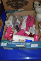 BOX CONTAINING HAIR DRESSING ACCESSORIES