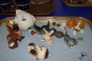 TRAY CONTAINING SMALL ANIMAL MODELS, GOEBEL RABBIT, A SEAL, ETC