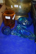 GLASS WARES INCLUDING CYLINDRICAL ORANGE COLOURED GLASS WITH TRAILING BROWN DESIGN, LANGHAM GLASS