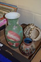BOX CONTAINING CERAMIC ITEMS INCLUDING A STUDIO POTTERY VASE BY DAVID EELES, SHERPHERDWELL POTTERY