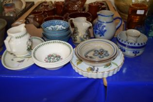 PORTMEIRION BOTANIC GARDEN BOWLS AND JUG TOGETHER WITH POTTERY ITEMS INCLUDING STUDIO POTTERY JUG