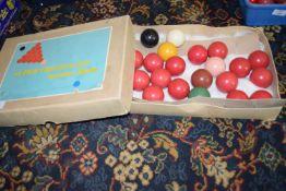 Part set of Super Crystal 8 snooker balls