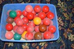Mixed tub of snooker balls