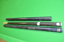 Signature part Jimmy White snooker cue, and a further part snooker cue and a cue extender