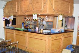 Bar and back bar, width approx 4m 20cm x 2m 40cm deep