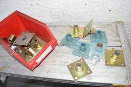 Thermostat mounting bracket
