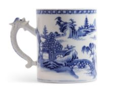 Large 18th century Chinese export tankard decorated in blue and white with typical chinoiserie