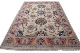 Good quality modern Heriz rug, 2.6m x 1.5m