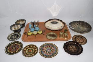 TRAY CONTAINING TWO CRUET SETS, METAL ITEMS ETC
