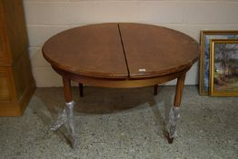 STAINED WOOD CIRCULAR DINING TABLE, DIAM APPROX 122CM