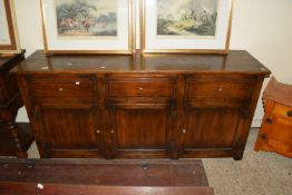 IMPRESSIVE OAK SIDE CABINET COMPRISING THREE DRAWERS OVER THREE CUPBOARDS, APPROX 170 X 46CM