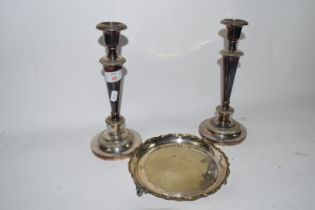 PAIR OF PLATED CANDLESTICKS, AND A SMALL PLATED TRAY