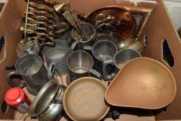 BOX OF METAL WARES, MAINLY PEWTER TANKARDS