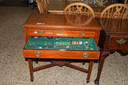 EDWARDIAN MAHOGANY CUTLERY CANTEEN OF TWO DRAWERS WITH INSET STRUNG AND CROSS BANDED DECORATION