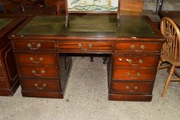 LATE 19TH/EARLY 20TH CENTURY LEATHER TOPPED MAHOGANY TWIN PEDESTAL DESK, APPROX 152 X 80CM
