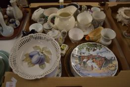 BOX OF CERAMIC ITEMS, JUGS, COLLECTORS PLATES FROM THE ROYAL ALBERT DREAM COTTAGES SERIES ETC