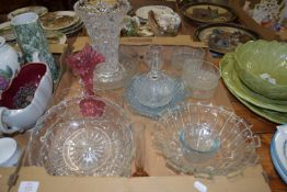 TRAY CONTAINING GLASS WARES, CUT GLASS FRUIT BOWLS, CUT GLASS VASE ETC