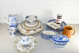 CERAMICS INCLUDING WILLOW PATTERN SMALL TUREENS AND PLATES