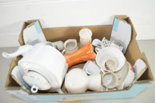 SMALL BOX CONTAINING MINIATURE CHINA AND SOME GOSS ITEMS