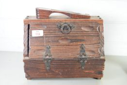 ARTS & CRAFTS STYLE SMALL WOODEN BOX
