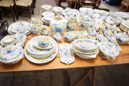 EXTENSIVE QUANTITY OF MASONS IRONSTONE REGENCY PATTERN COMPRISING JUGS, SERVING DISHES, DINNER