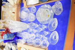 GLASS WARES INCLUDING LARGE HOBNAIL CUT FLOWER VASE