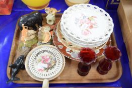 TRAY CONTAINING DECORATIVE PLATES, PAIR OF RUBY GLASS VASES