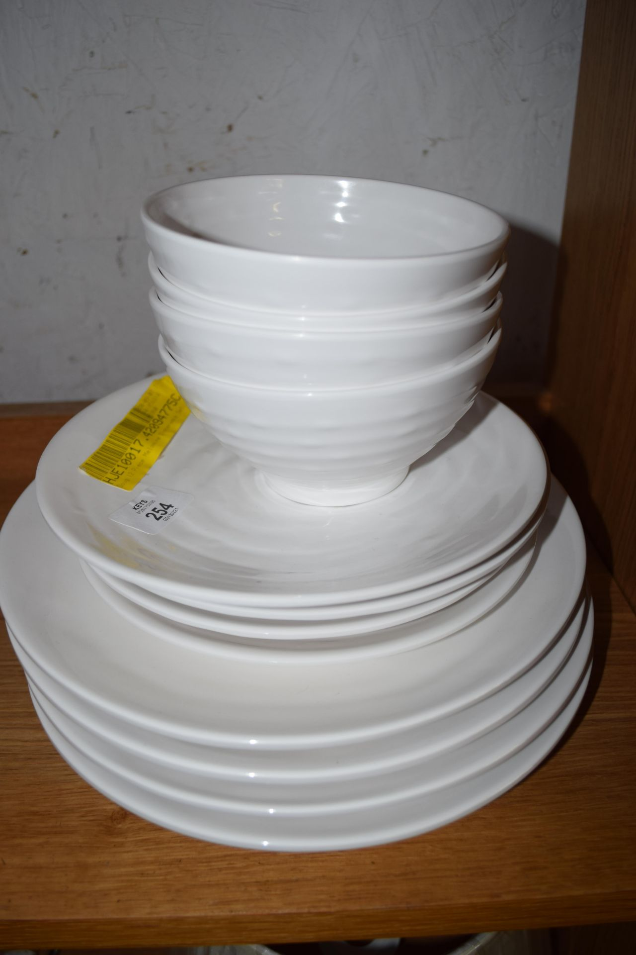 MOULDED PLASTIC PICNIC SET COMPRISING FOUR LARGE PLATES, FOUR SMALL PLATES AND FOUR BOWLS