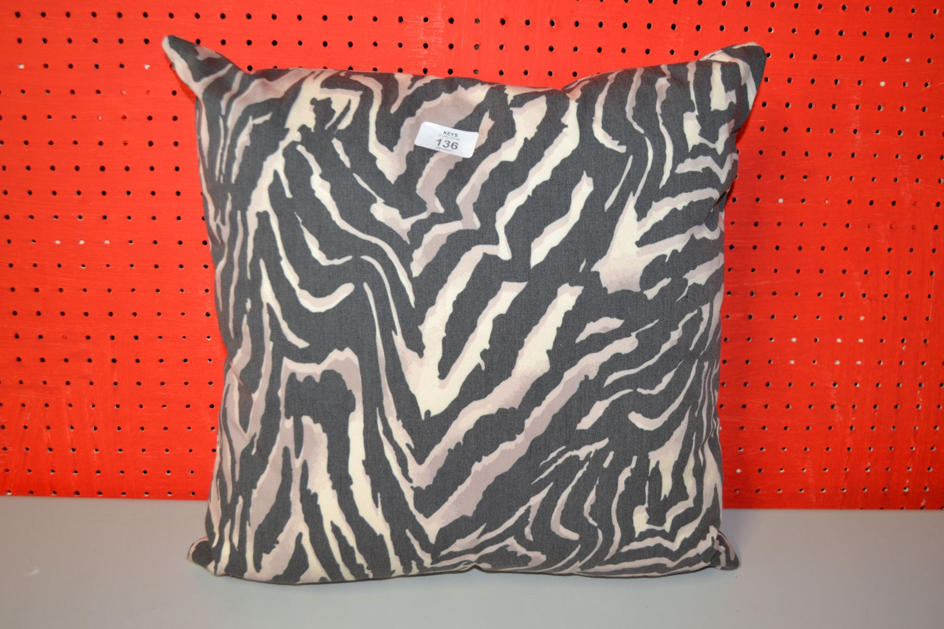 SQUARE PRINT PATTERN CUSHION APPROX 15 INCH