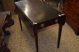 REPRODUCTION PEMBROKE TABLE, WIDTH APPROX 96CM
