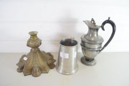 METAL ITEMS INCLUDING A PEWTER TANKARD AND PLATED HOT WATER JUG ETC