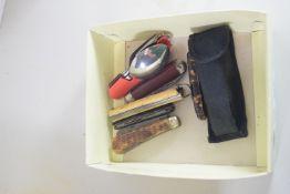 BOX CONTAINING PEN KNIVES