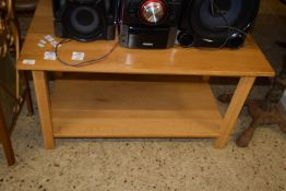 SMALL OCCASIONAL TABLE WITH SHELF BENEATH, APPROX 90CM X 49CM